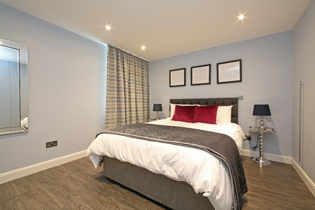 21 Baly House bedroom 2b.jpg