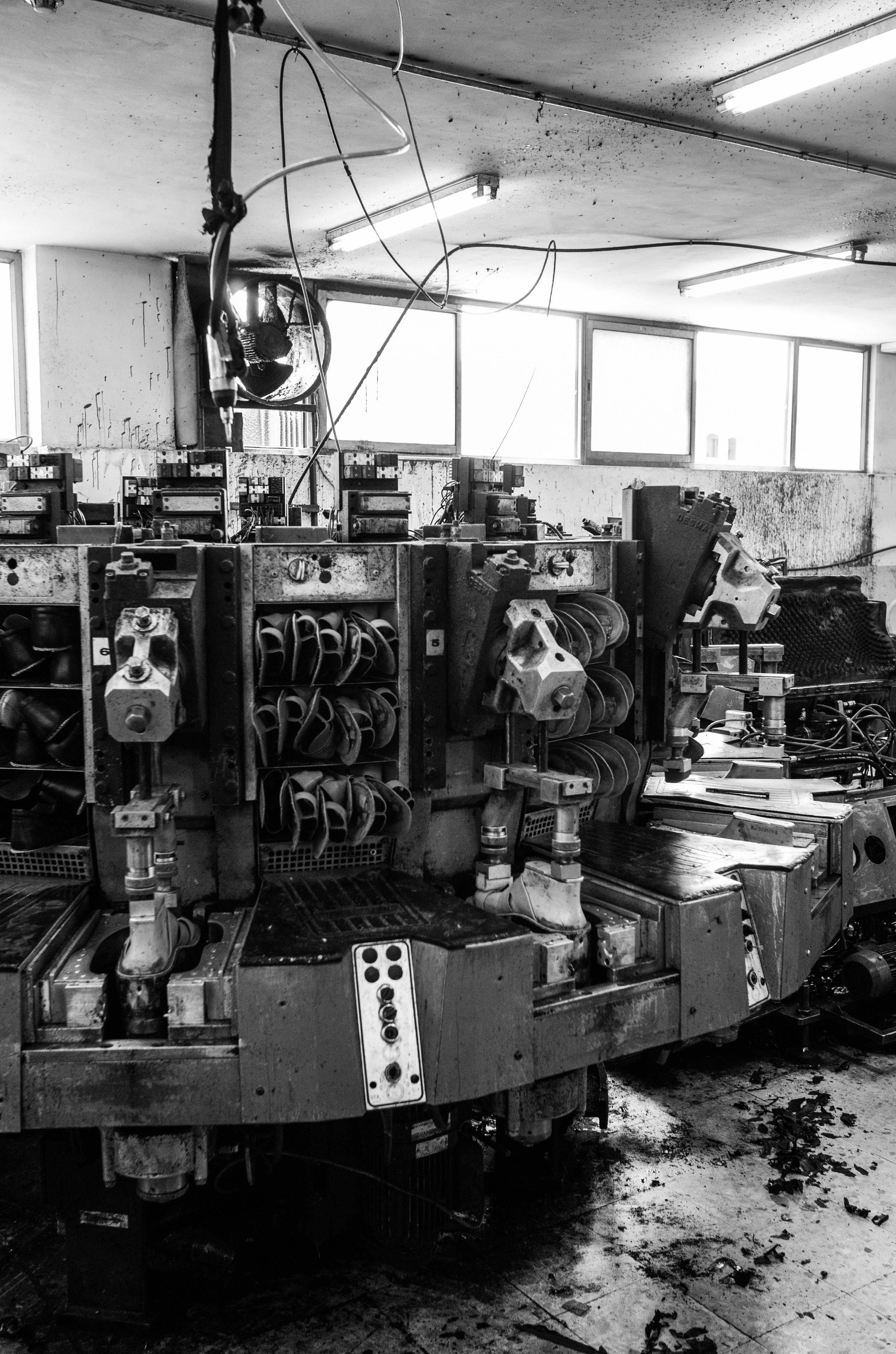 Sole moulding machines, Hebron, 2017
