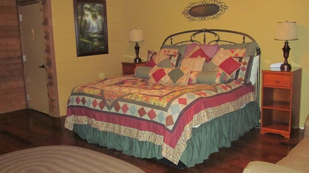 anniversary inn themed suites
