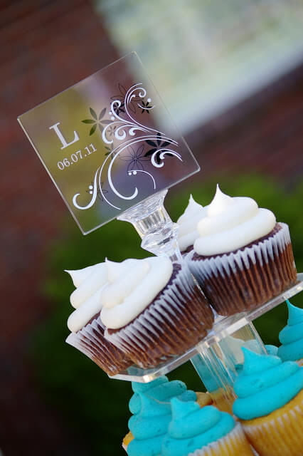 wedding cake cake topper