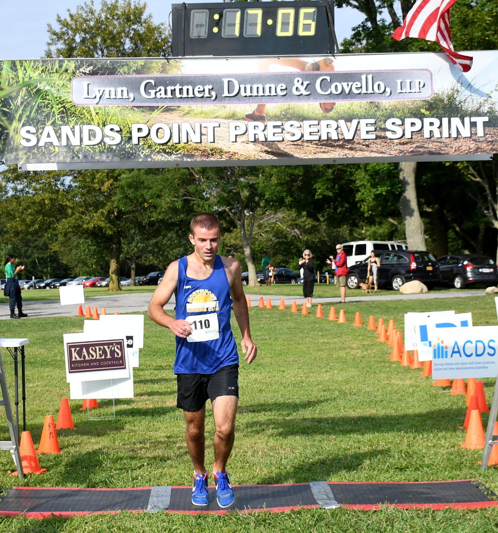 Alex Eletto wins the 2017 Lynn, Gartner, Dunne & Covello, LLP Sands Point Sprint