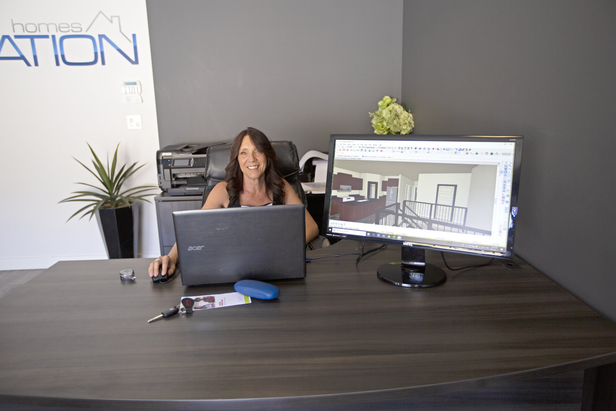 Teresa Greene designing a home on Chief Architect in the University Heights showroom