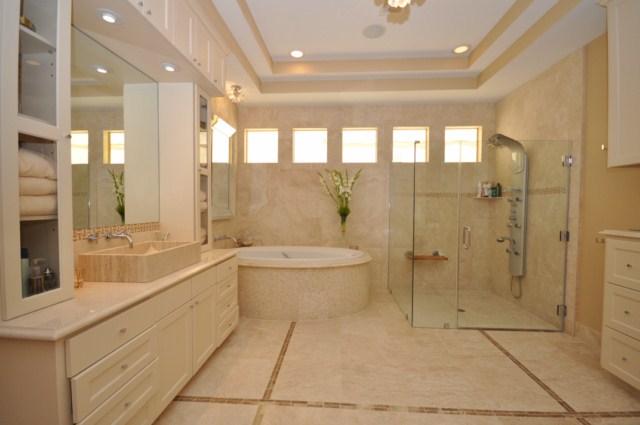 2309 Persa Street - Master Bathroom - DSC_0210.JPG