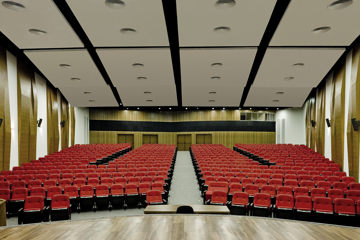 Auditório Irmã Laurizina Palomo - Síntese Arquitetura