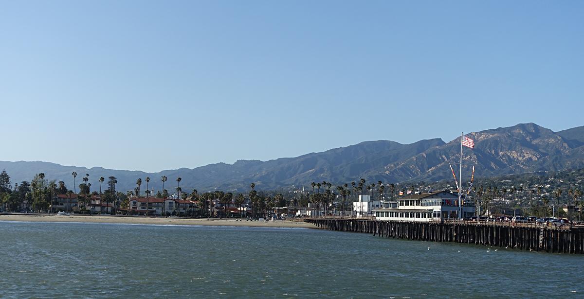 The Santa Barbara beach and pier