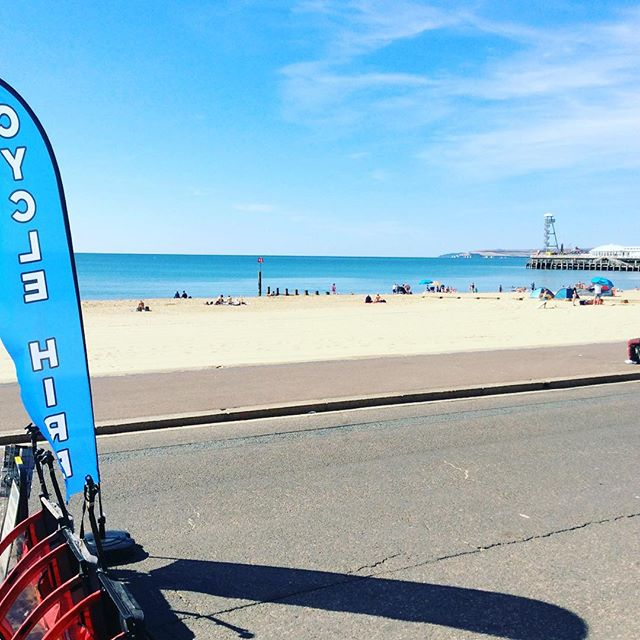 Another 10/10. Can't get enough of this... Got to get that 2 wheel breeze... it's the only way! #boscombebeach #bournemouth #bournemouthbeach #cycling #cyclehire #beach #sun #sand #sea