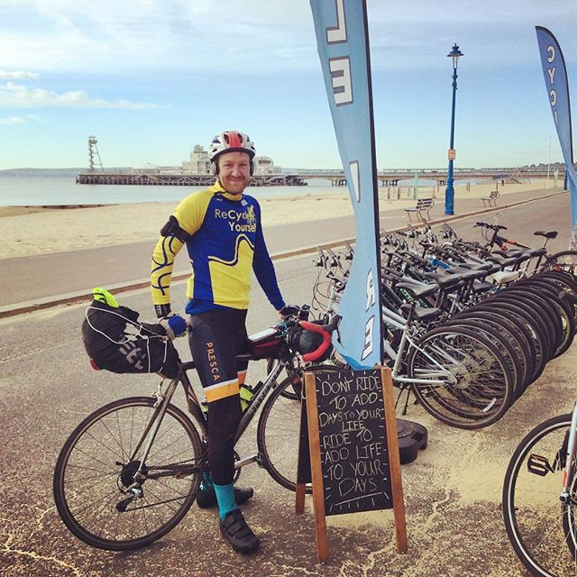 Just as we put out our sign, we met Ryan who's cycling around Britain for mind the charity. Give him a follow to see what he's up to @re_cycle_yourself. Also come on down if you want a great way to warm yourselves up and have a laugh whilst your at it!! #ryanridesaroundbritain #bournemouthbeach #cyclinglife #frontbikehire