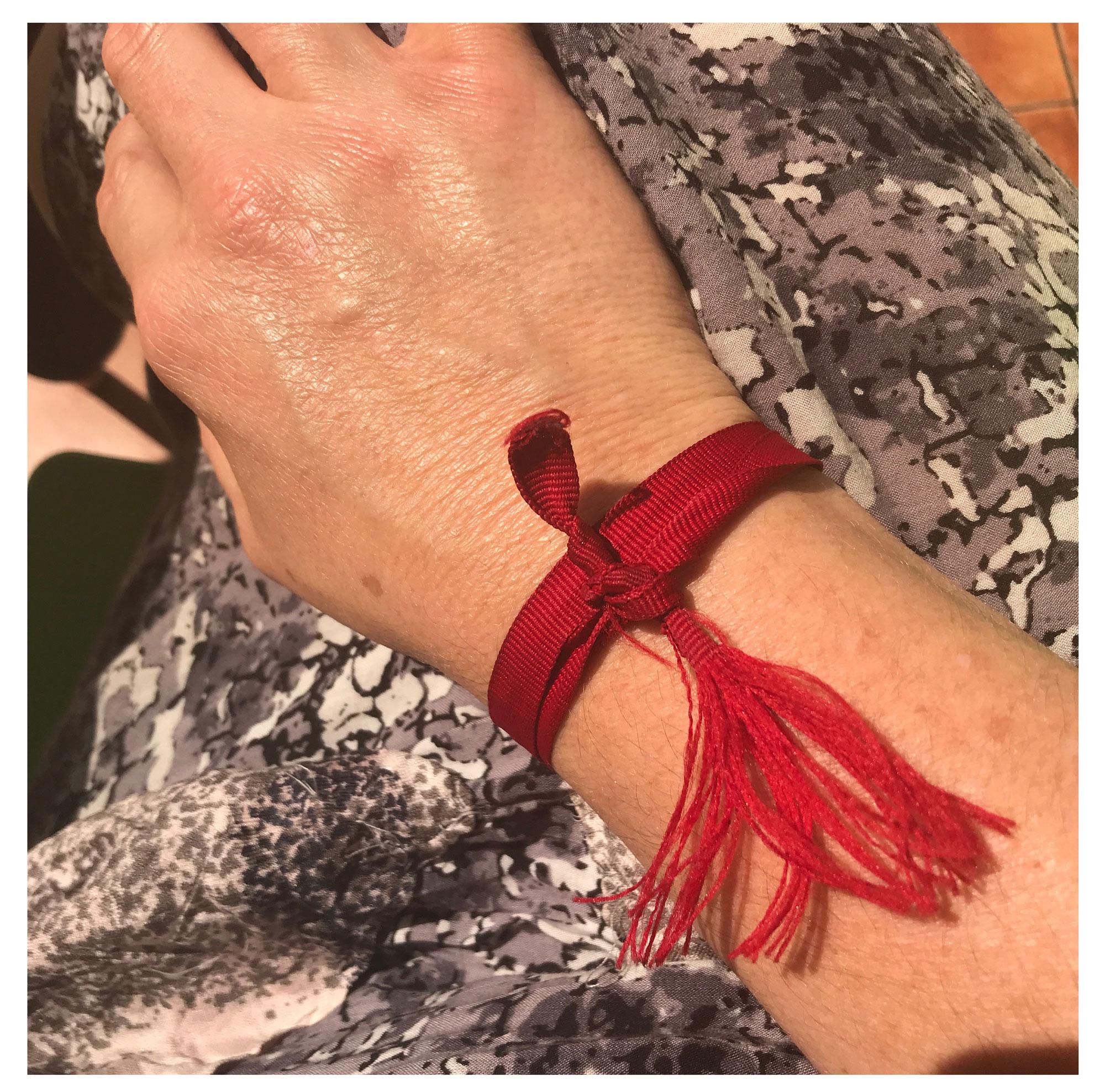 Frayed red thread, 24 October 2017