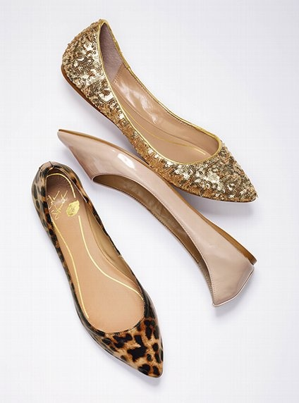 Sassy Style    Has anyone else noticed how fab flats have become in recent years? Makes my heart happy that it's FALL!