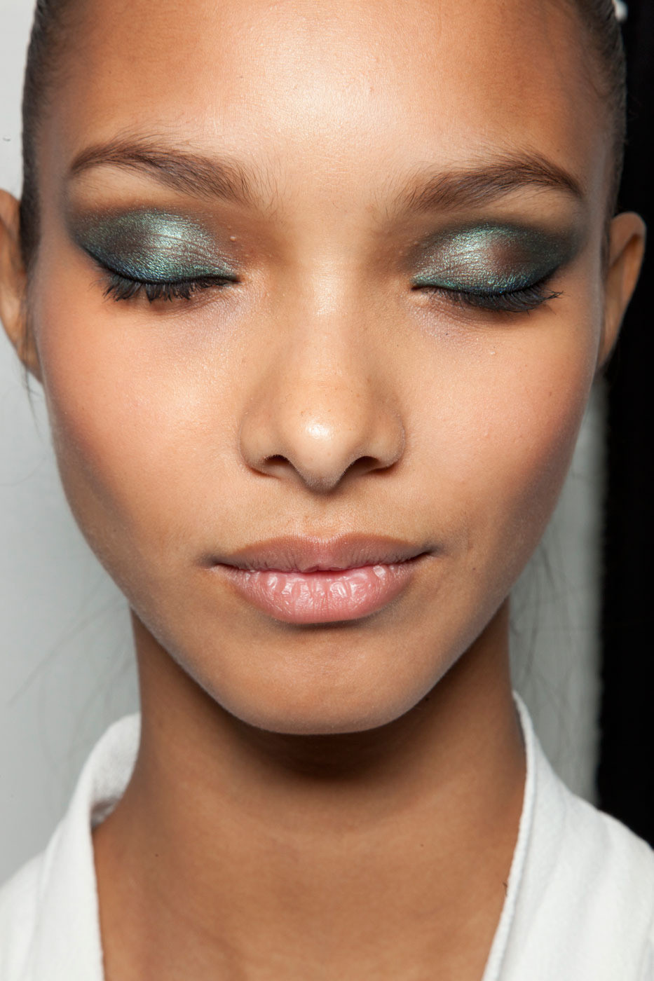 Bella Sassy     via modelsofcolor :      Make-up look for Jason Wu's F/W 2012          Keep it classy , join Sassy Nation    http://sassynation.tumblr.com     http://www.facebook.com/TheSassyNation     http://twitter.com/#!/SassyNation