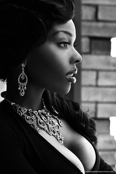 Bella Sassy     via eyesfavecandy :     Photography by  ZiggaZagga