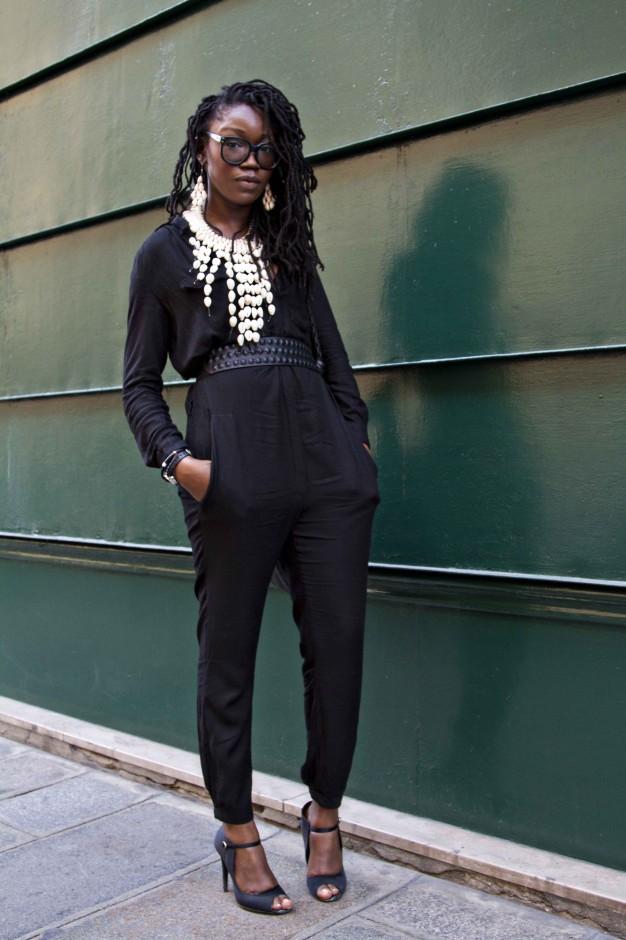 Sassy Style      lecoil :     Adama Kai of Aschobi Designs in Paris. Photo by  Martini of Beyond Boston Chic .    (via   naturalbelle )      Keep it sassy, join Sassy Nation     http://sassynation.tumblr.com     http://www.facebook.com/TheSassyNation     http://twitter.com/#!/SassyNation