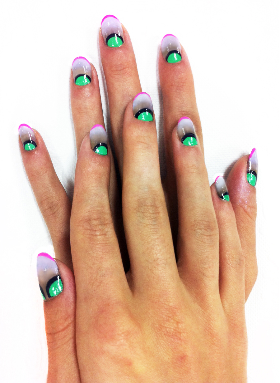 Halloween Sassy    Keep it funky this Halloween with scary nails. Sass that's meant to be seen! o_O    via madelinepoolenails      Keep up with the daily sass, Join SASSY NATION      http://sassynation.tumblr.com