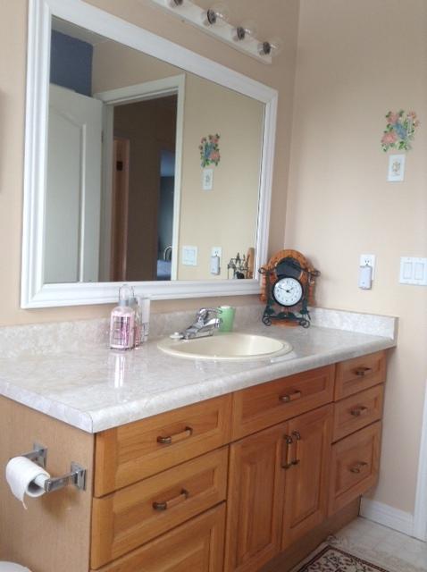 Guest-Bath-Before-2.JPG