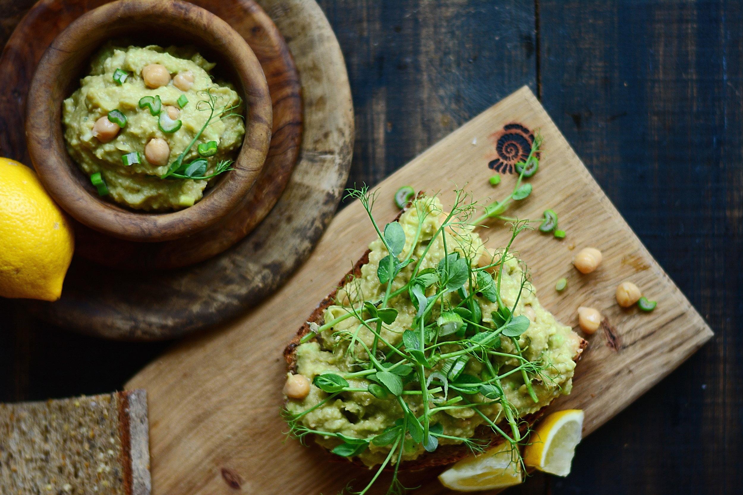 Lemon Thyme Chickpea Salad for Nutrify -