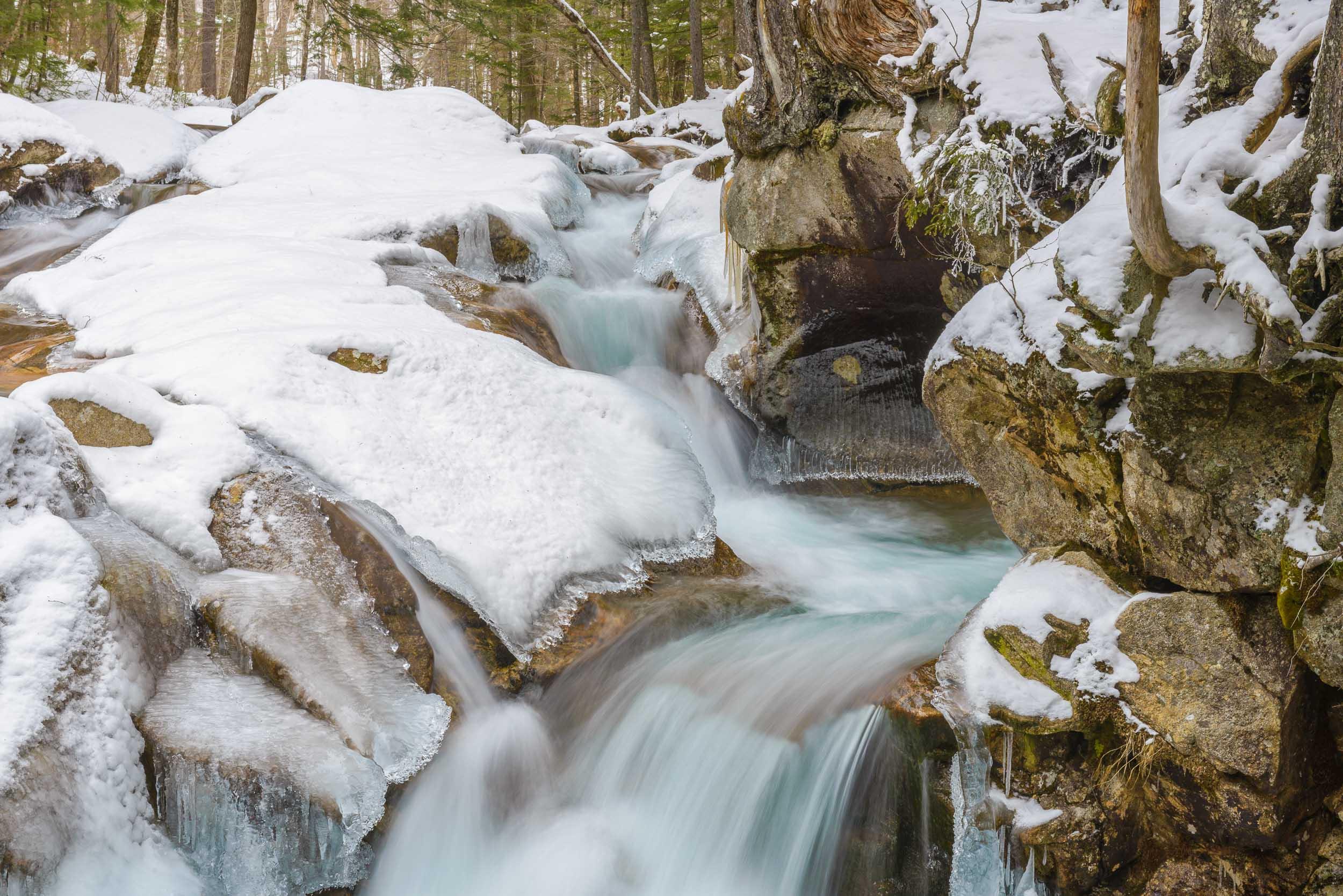 Winter_Waterfall_White_Mountains_NH_Jeff_Baumgart_Creative_Media-1.jpg