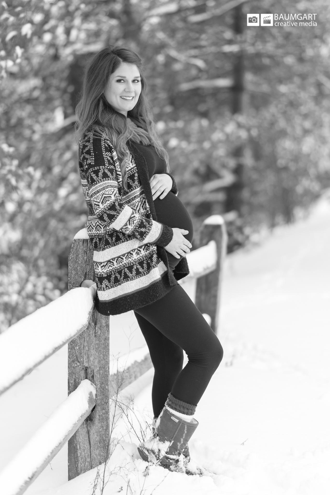 MA_Winter_Maternity_Portrait_Photography_Jeff_Baumgart_Creative_Media