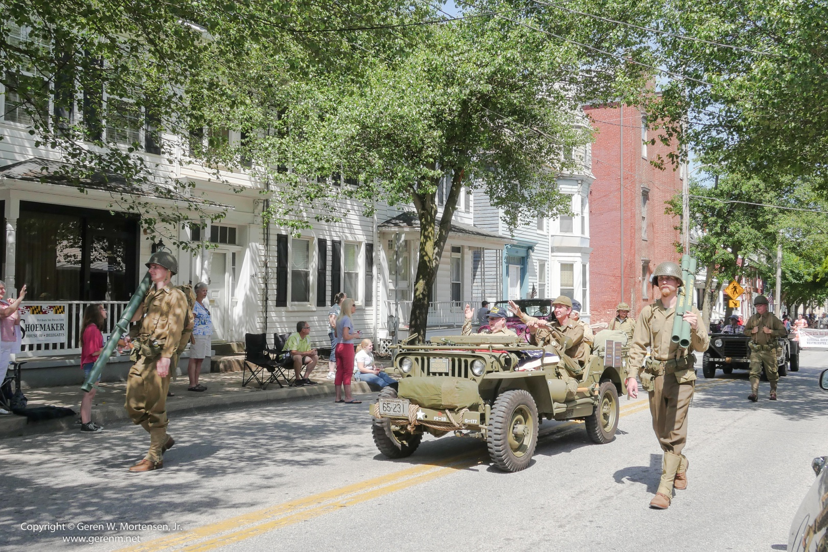 Memorial-Day-Parade_May-26-2014_02_PANA.jpg
