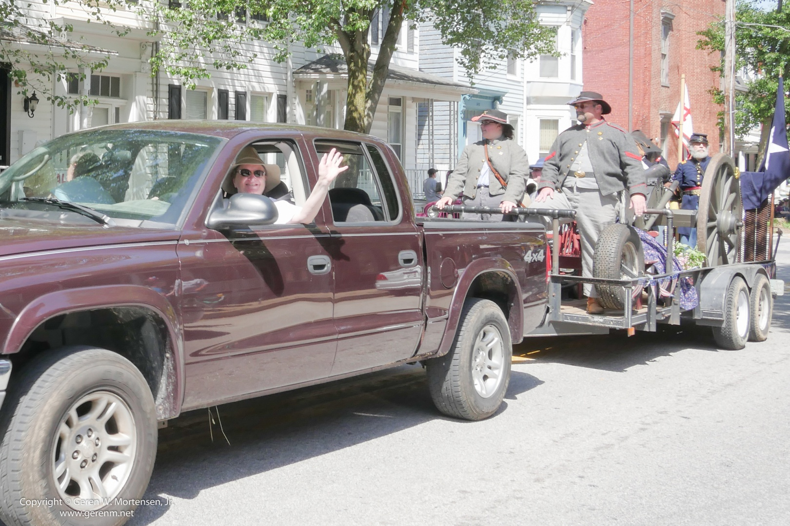 Memorial-Day-Parade_May-26-2014_03_PANA.jpg