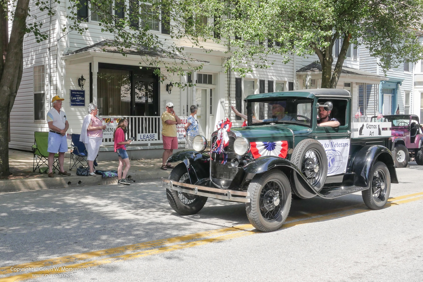 Memorial-Day-Parade_May-26-2014_06_PANA.jpg