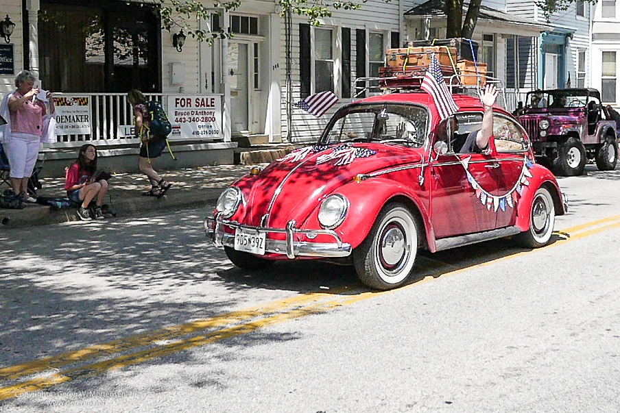 Memorial-Day-Parade_May-26-2014_08_PANA.jpg