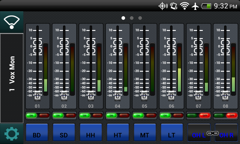 Behringer X Air Q app on an HTC Thunderbolt. Note how small the faders are.