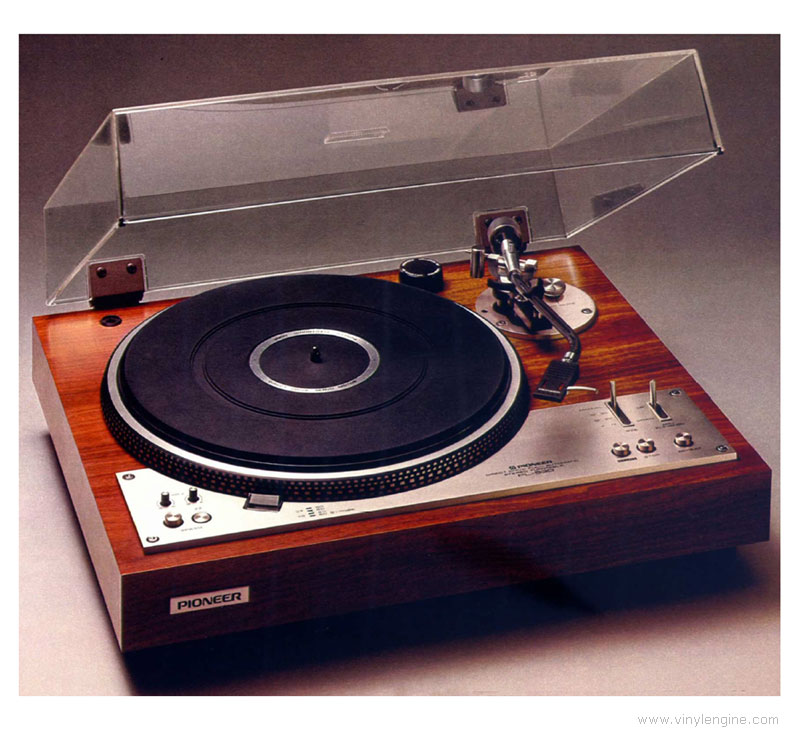 Pioneer PL-530 two-speed automatic turntable
