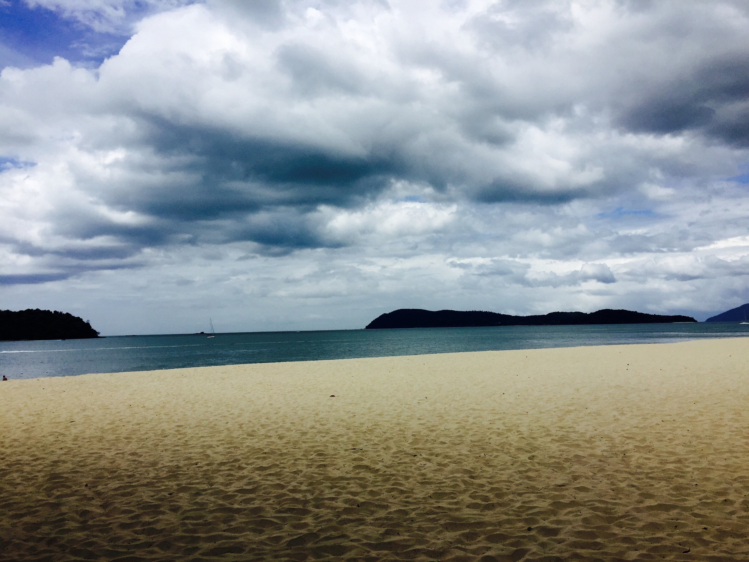 A calm and scenic view on Pantai Tengah