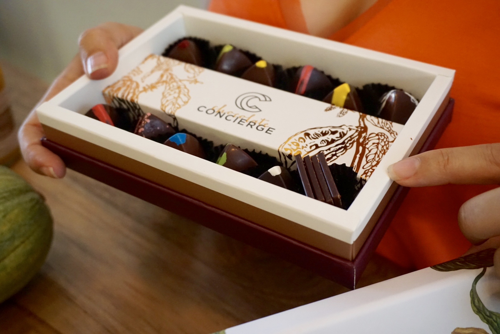 That copper foil packaging is enough to make a girl go ga-ga! One box to go please ;-)