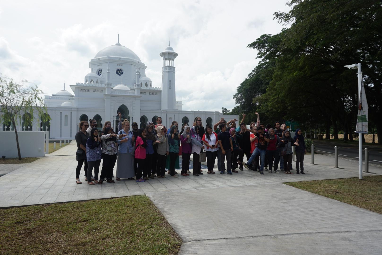 QUT & UPM students in front of the beautiful facade of Muzium Masjid Sultan Abdullah