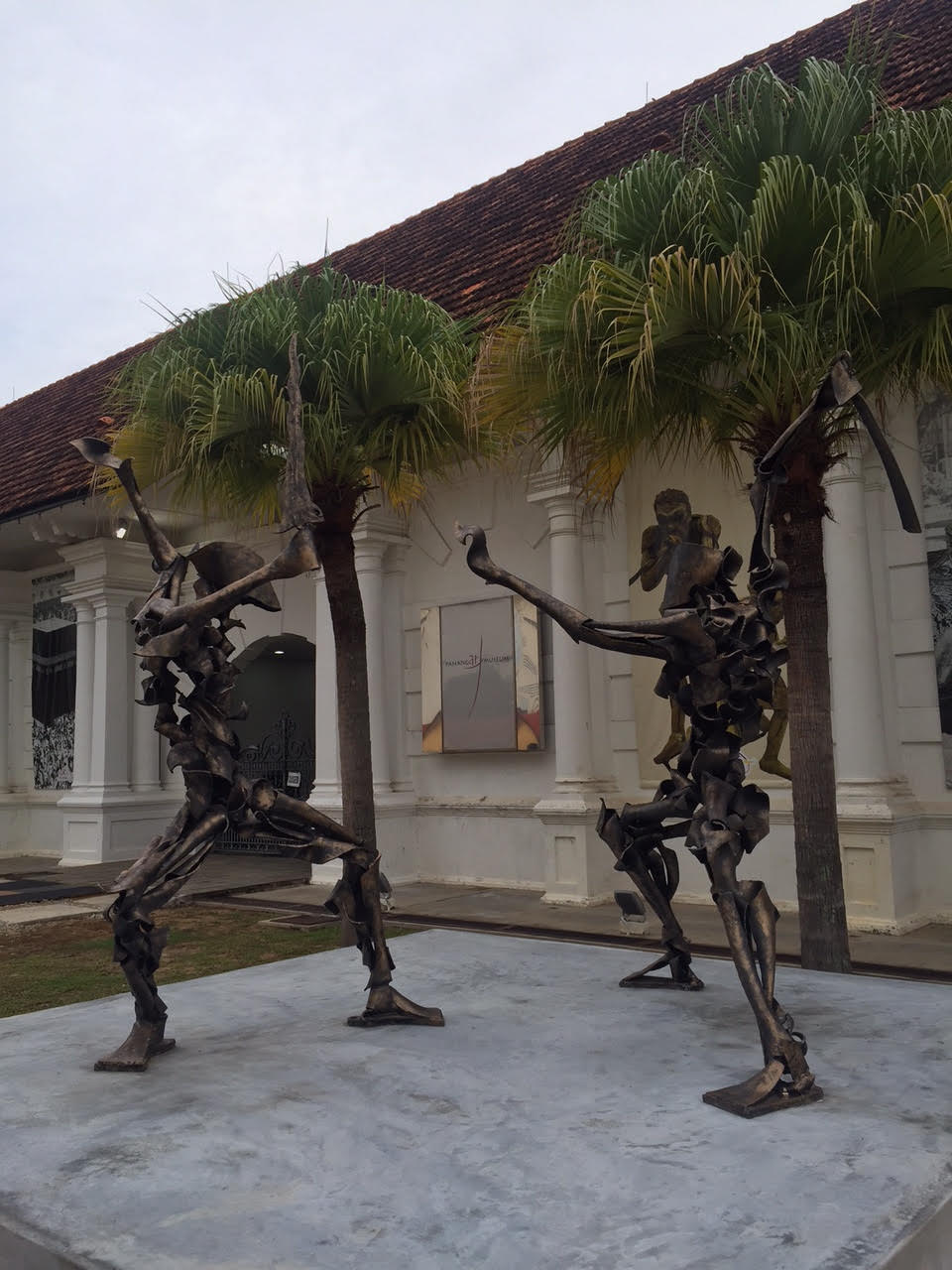 Scupltures engaged in Silat, a Malaysian martial arts, in front of the Pahang Art Museum.
