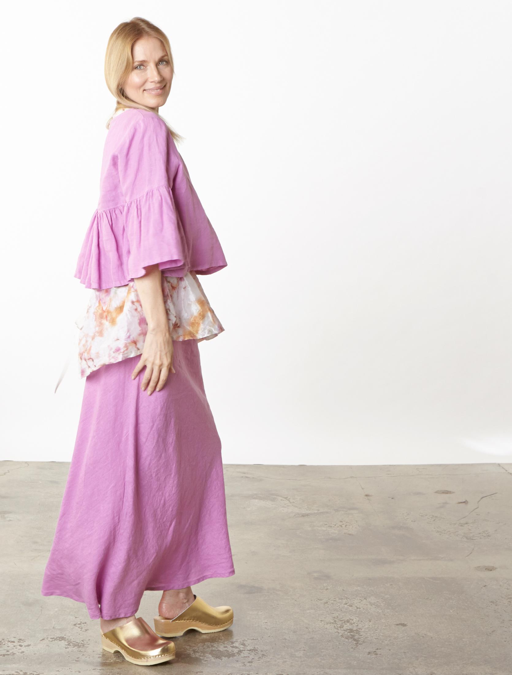 Frida Shirt, Long Bias Skirt in lxia Light Linen, Lois Tank in Versailles Italian Memory Crunch Taffeta