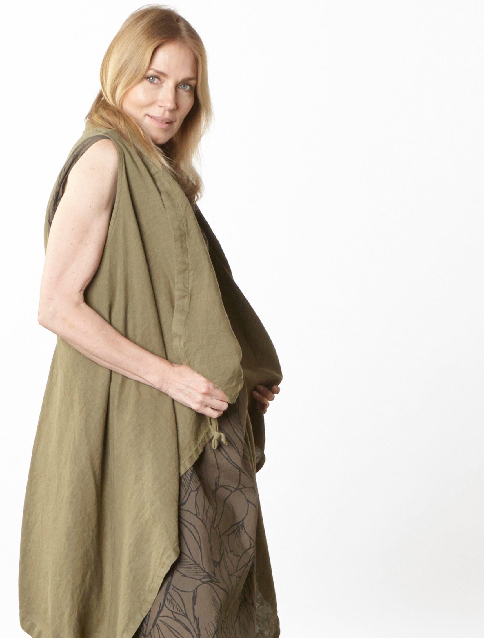 Eve Vest in Grove Light Linen, Henrietta Dress in Kvass Flower Poplin