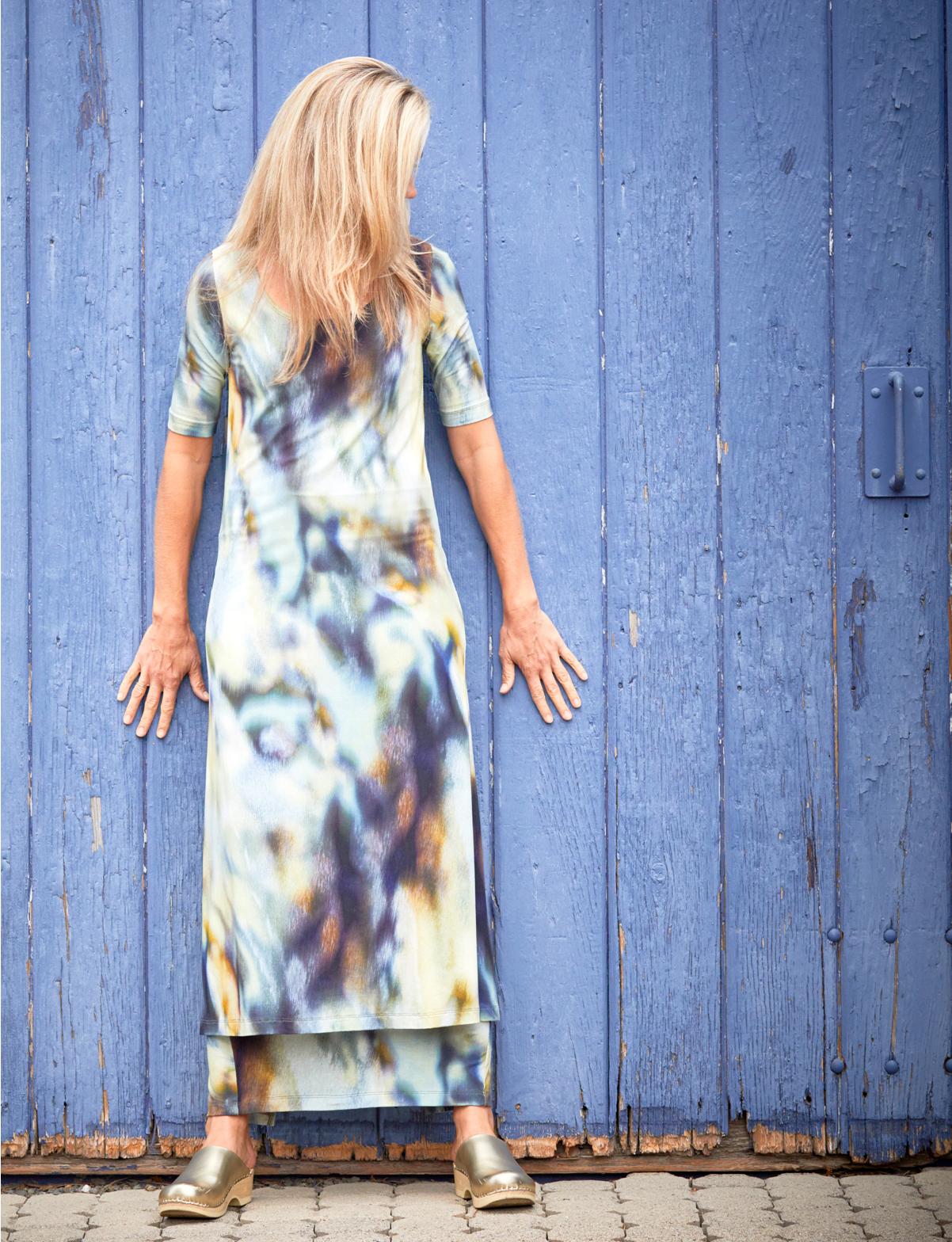 S/S Bobbi Dress, Slim Skirt in Rio Print Jersey