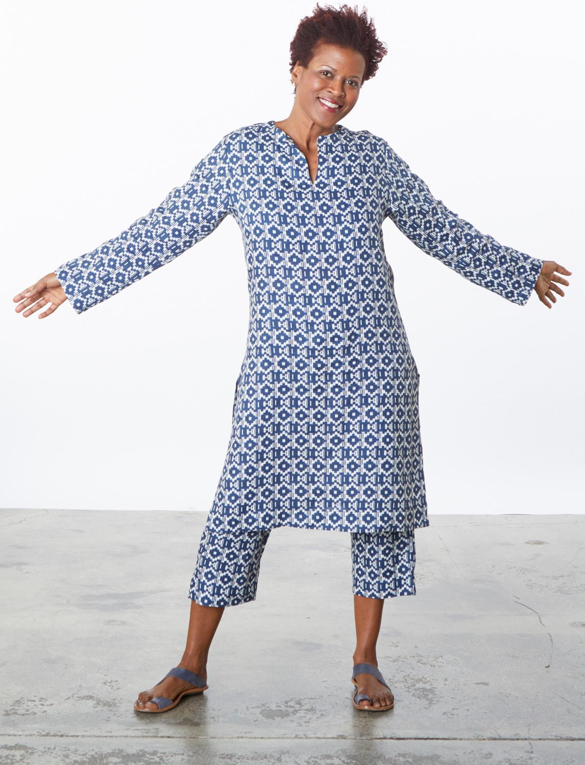 Risa Tunic, Capri Pant in Blue/Ivory Italian Print Linen