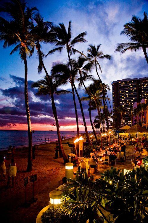 Sunset at Dukes Waikiki beach