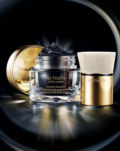The latest black luxe mask from Estēe Lauder