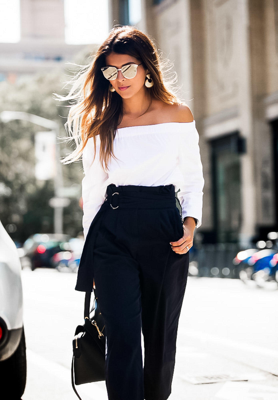 Off-the-Shoulder-top-and-high-waist-navy-pants-The-Girl-From-Panama-@pamhetlinger-2.jpg