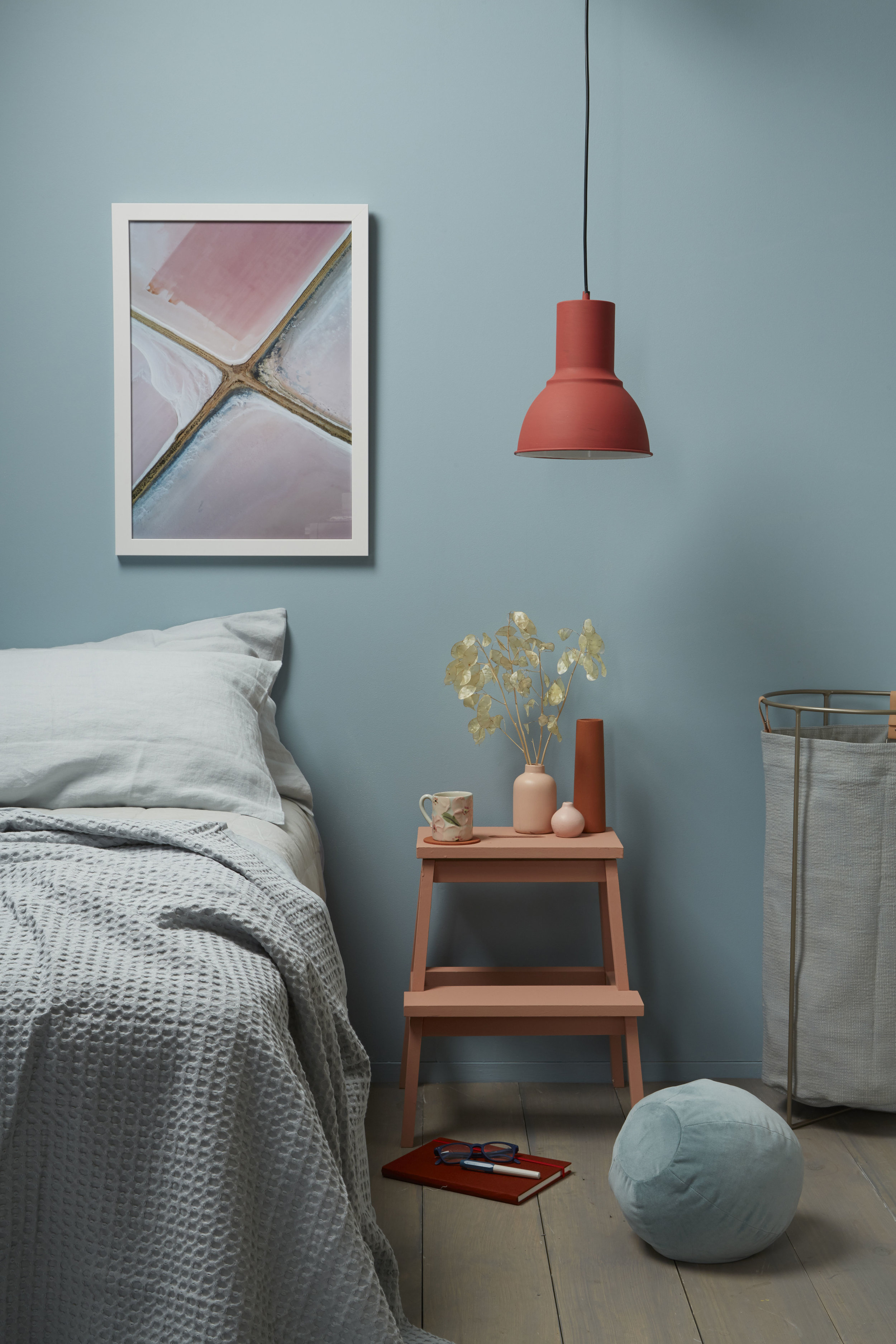 Lisa Morton,bedroom,blue,Resene Raindance+Just Dance+Sunbaked+Greywash+Soulful+Shabby Chic,photo Bryce CarletonPT3.jpg