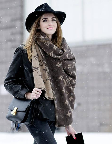 o5yn6j-l-610x610-scarf-infinity+scarf-blanket+scarf-brown-felt+hat-hat-bag-black-black+bag-winter+outfits-louis+vuitton.jpeg