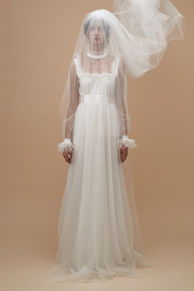 holy-gown-kwa42137-ivory-front-0318933001565041144_1565041063.jpg