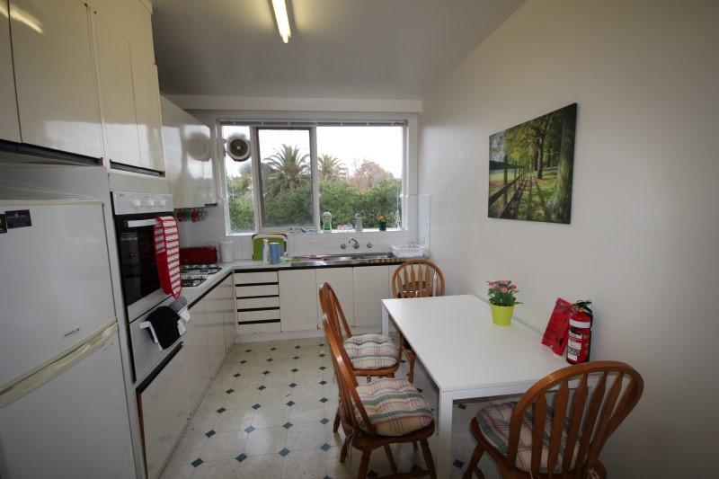 Kitchen 4 (Custom).JPG