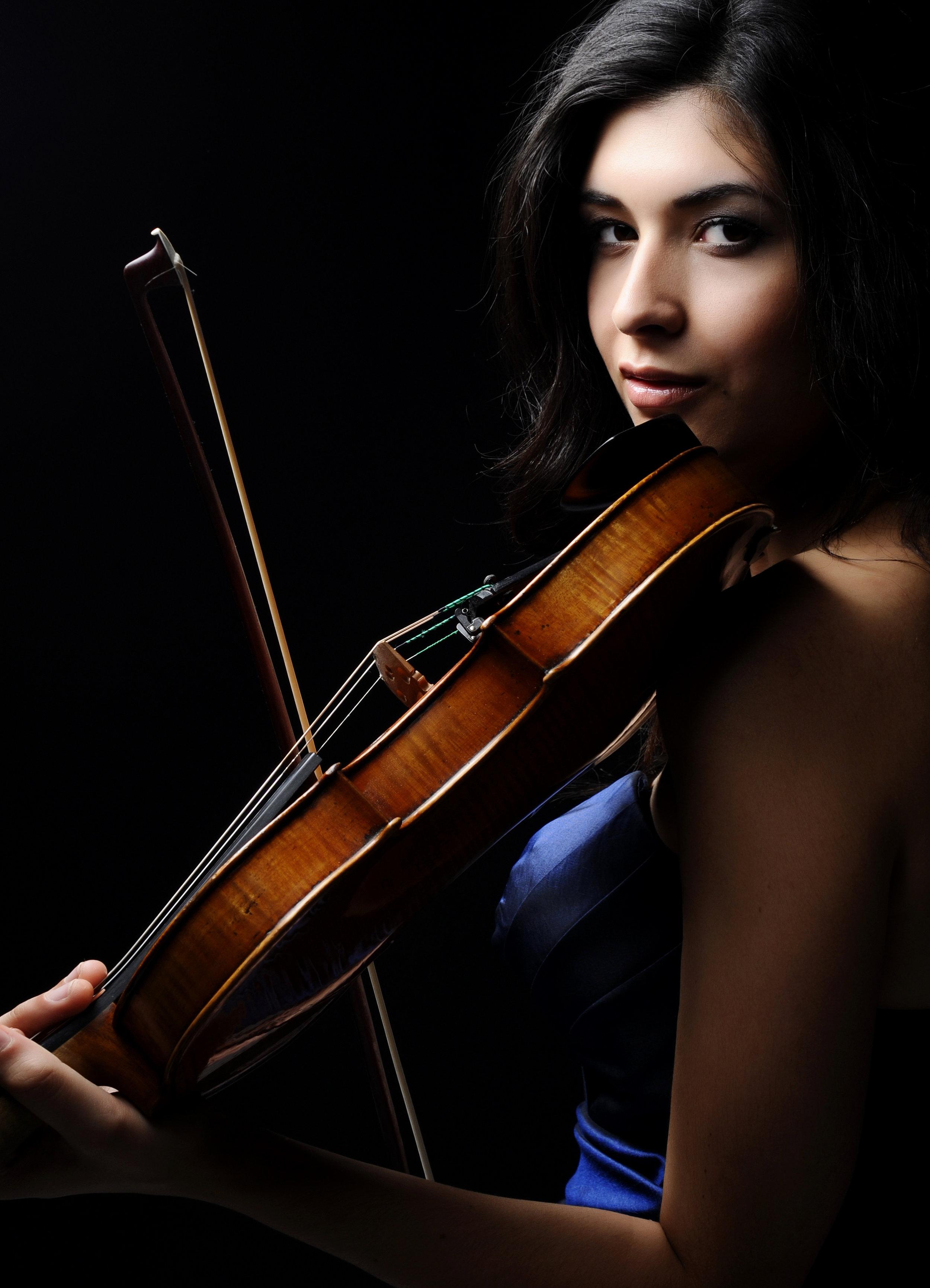 Rimma Benyumova, violin