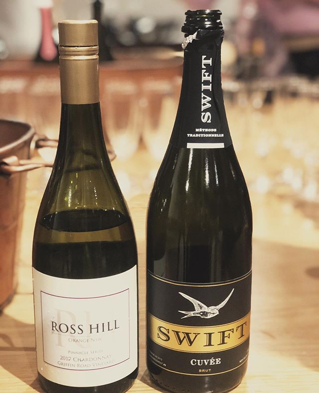 Two of my personal favourite wines yesterday at the Orange wine showcase: the Printhie Wines Swift Cuvée, and the Ross Hill Pinnacle Series Chardonnay. Both so delicious I kept coming back for them despite dozens of other wines on tasting!  #winetasting #orangensw #highaltitudewines #coolclimatewines #chardonnay #cuveebrut
