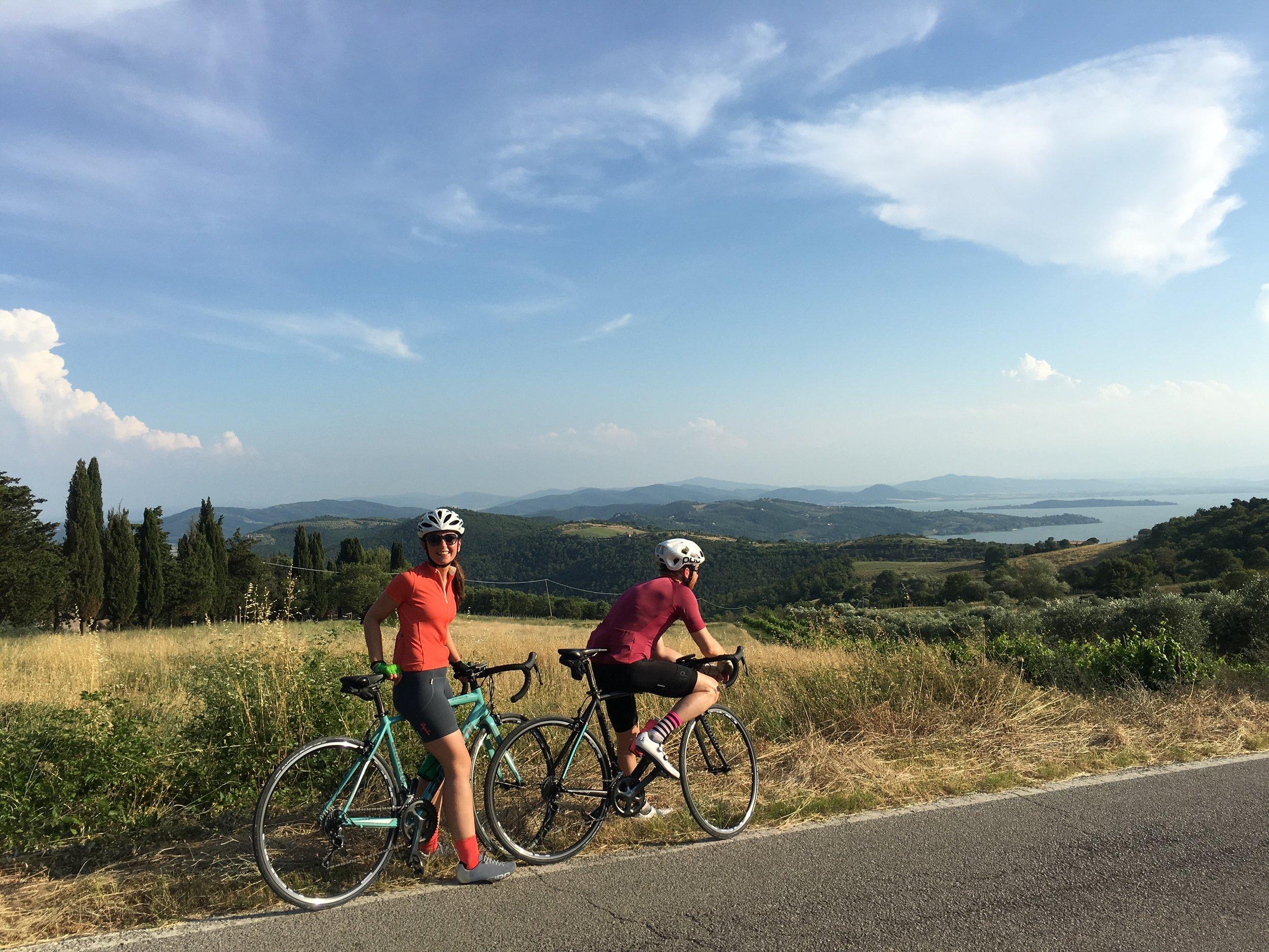 The roads around Lake Trasimeno are blissfully free of traffic