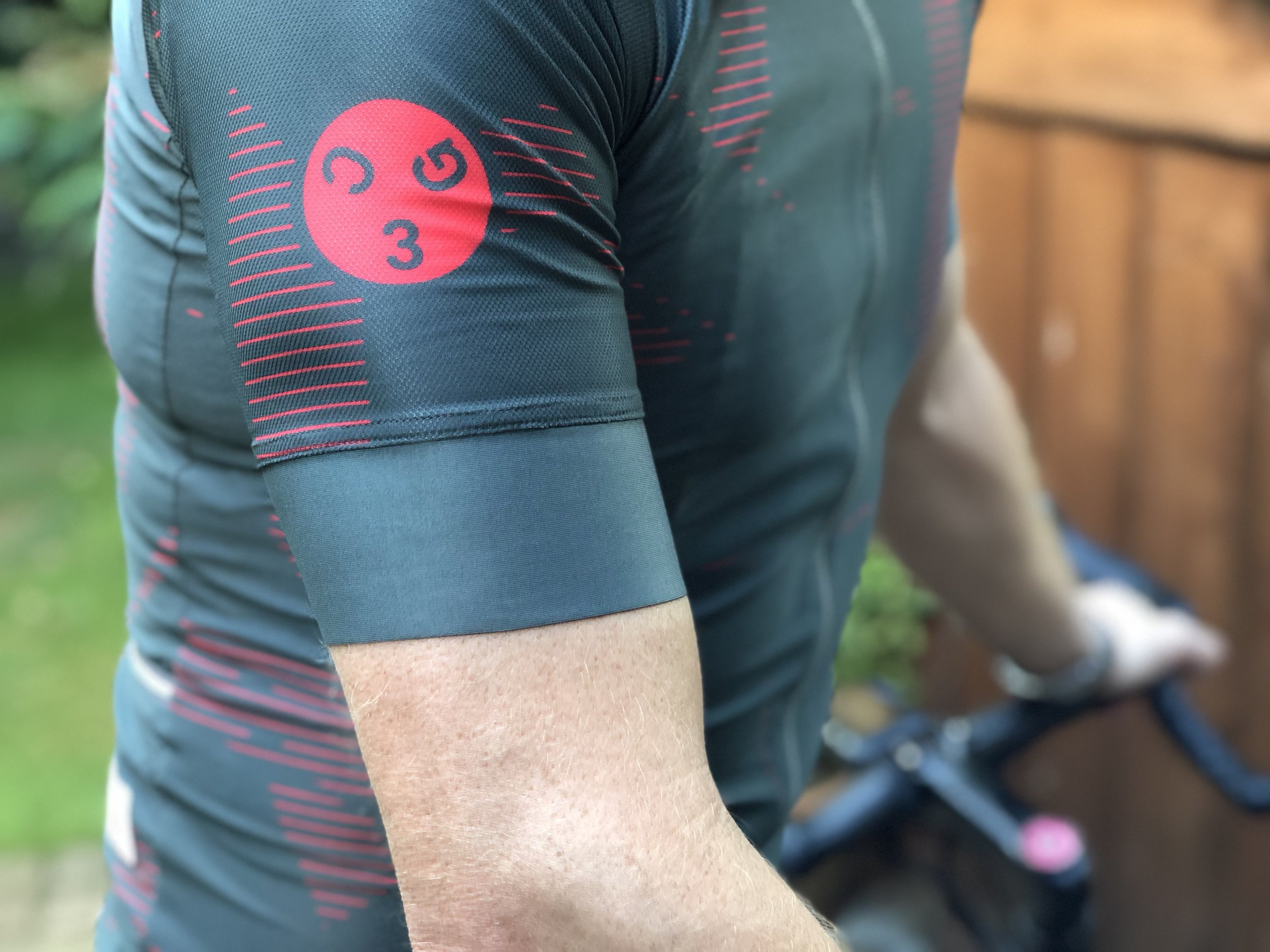 The Girona jersey is manufactured from the same fabric Castelli used in the Maglia Rossa