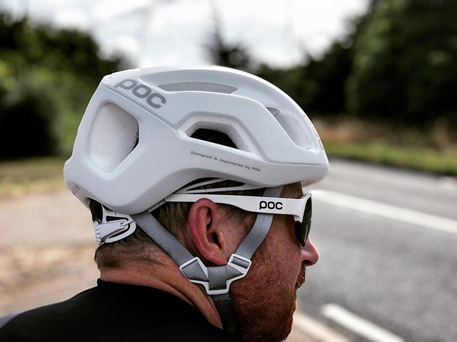 Been testing @pocsports Ventral Air, the evolution of the hugely successful Octal and Ventral models previously released by the Swedish brand. Full review coming soon on Paperbike.co.uk. . . . . . . . . #Cycling #Instacycling #Roadcycling #Cyclingkit #Newkitday #Cyclinglife #Cyclingshots #Cyclingphotos #Cyclingapparel #Bikelife #WYMTM  #Roadslikethese #Lightbro #Kitdoping #Bikeporn #Cyclingstyle #WTFkits #Cyclingculture #Instabike #Bike #Fromwhereiride