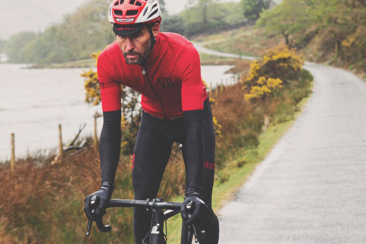 velobici-cyclewear-velvet-thermal-ss-jersey-bibs-rain.jpeg