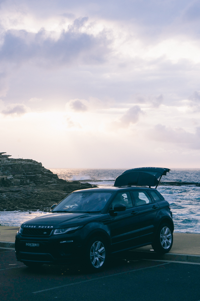 The curvaceous exterior design has been refined to give even more distinctive appeal. The front bumper, two new grille designs, optional all-LED headlamps and three all-new alloy wheel are just a few features of the updated design of the Range Rover Evoque.