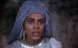 A szép mór nő a Legyetek jók, ha tudtok c. filmből